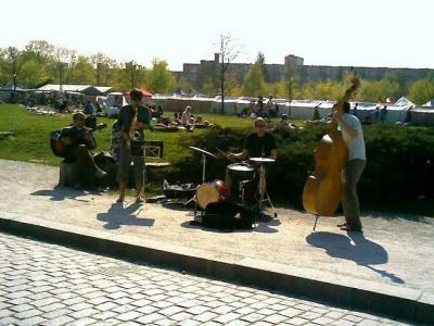 Musicians in Mauerpark